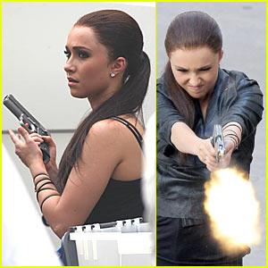 Hayden Panettiere is a Gun Girl