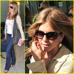 Jennifer Aniston is Heathrow Hip