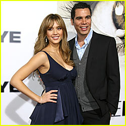 Jessica Alba Welcomes Daughter