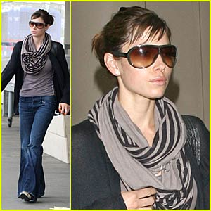 Jessica Biel Flies Into Rumors