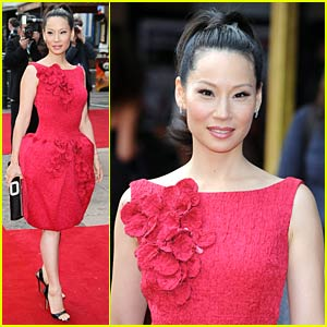 Lucy Liu Does Kung Fu