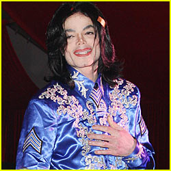 Michael Jackson To Launch Clothing Line
