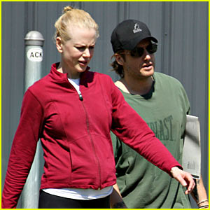 Nicole Kidman Bumps It Up