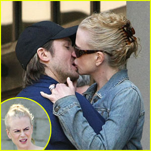 Nicole Kidman Kisses Keith