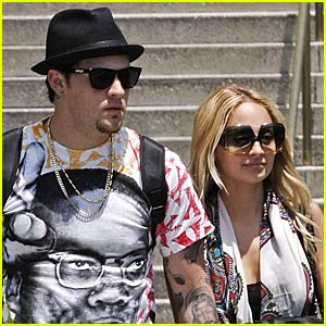 Nicole Richie and Joel Madden Meet at the Museum