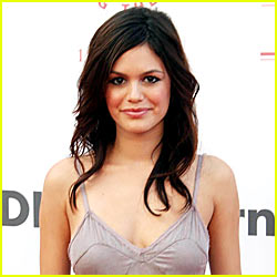 Rachel Bilson Doesn't Keep In Touch With O.C. Costars