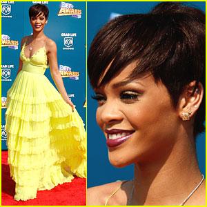 Rihanna Shows Her Sunshine