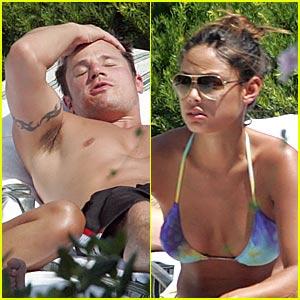 Vanessa Minnillo & Nick Lachey are Pool Pals