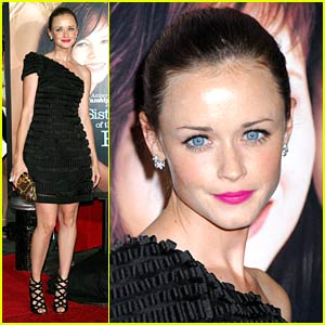Alexis Bledel's Pants Travel Again