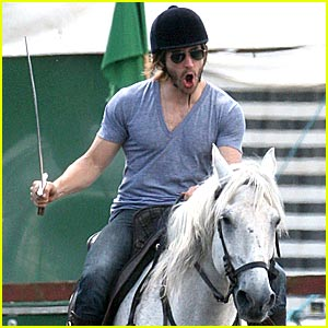 Jake Gyllenhaal is Horseback Happy