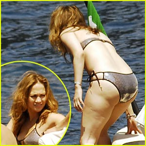 Jennifer Lopez Has a Shiny Bikini Bottom