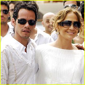 Jennifer Lopez Has a White Wonderland