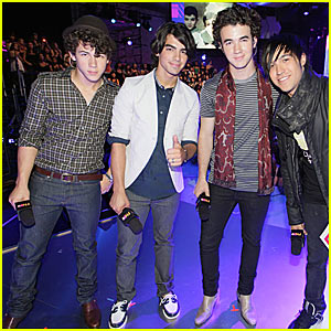 The Jonas Brothers Do FNMTV