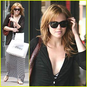 Mandy Moore Post-Breakup Shopping