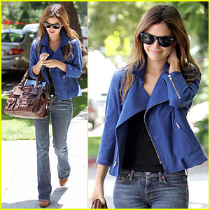 Rachel Bilson Banks on Blue