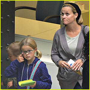 Reese Witherspoon is a Museum Mommy