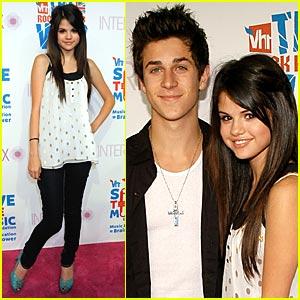 Selena Gomez Helps Save The Music