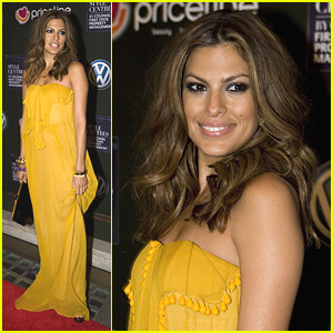 Eva Mendes' Fashionable Figure