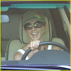 Jennifer Aniston is a Range Rover Lover
