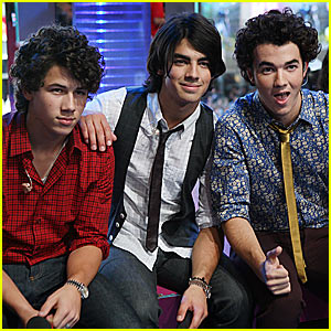 Jonas Brothers To Hit Radio Disney Airwaves