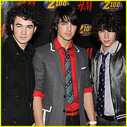 Jonas Brothers To Pick Up VMA For Best Pop Video?