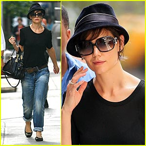 Katie Holmes is Fedora Friendly