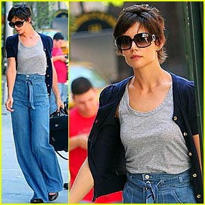 Katie Holmes is a High-Waisted Hottie
