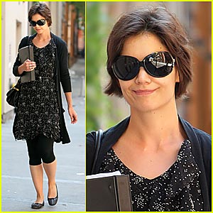Katie Holmes Races To Rehearsals