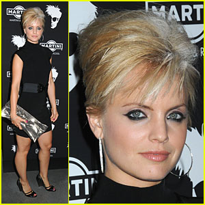 Mena Suvari: Blonde Blunder or Bliss?