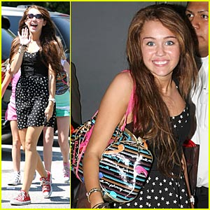 Miley Cyrus is a Guitar Girl