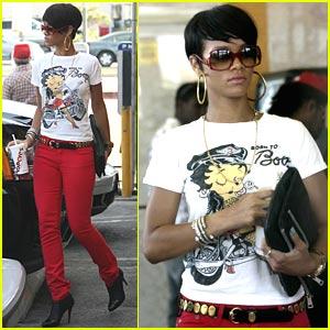 Rihanna is Popeyes Pretty
