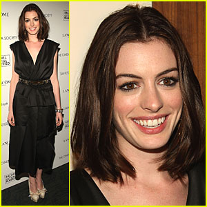 Anne Hathaway is Getting Married