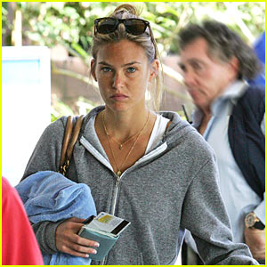 Bar Refaeli is Session Stoked