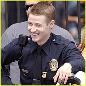 Benjamin McKenzie is an LAPD Cop