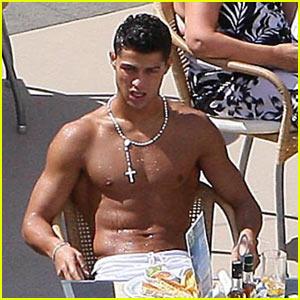 Cristiano Ronaldo is Golden Shoe Shirtless