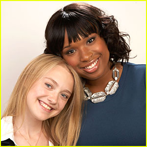 Dakota Fanning & Jennifer Hudson are Bee-st Friends