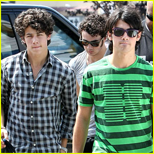 The Jonas Brothers Go Sporting Goods Shopping