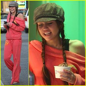 Miley Cyrus is Frozen Yogurt Yummy