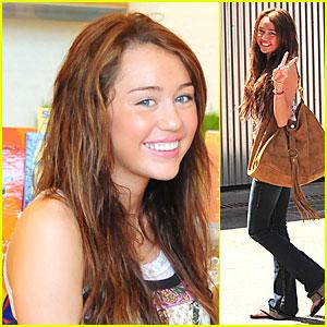 Miley Cyrus is a Love Bird