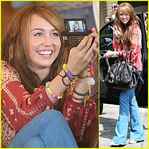 Miley Cyrus is Sidekick Swift
