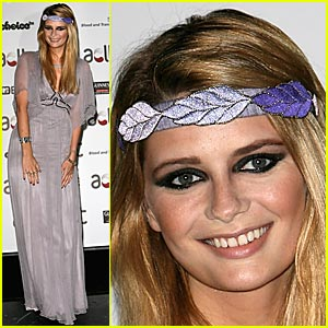 Mischa Barton Brings The Gift Of Life