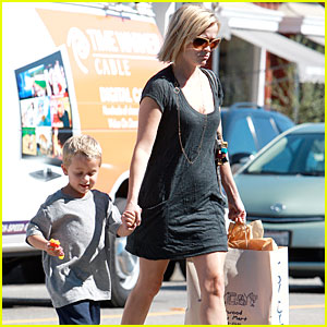 Reese Witherspoon Gets Toy Joy