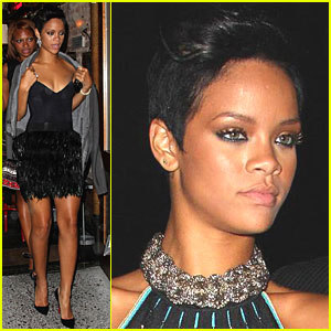 Rihanna: Fashion Rocks and then Eats