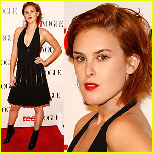 Rumer Willis Is Dark Copper Cute