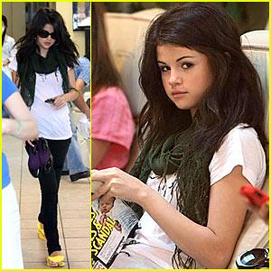 Selena Gomez Flashes At Full Moon