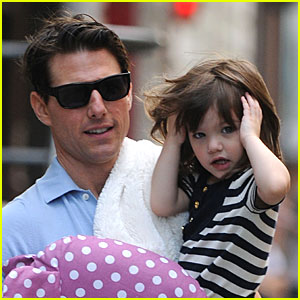 Suri Cruise is Helicopter Happy