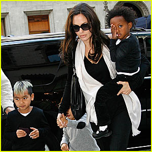 Angelina Jolie Frequents Lee's Art Shop