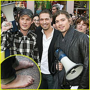 Hanson Brothers Go Barefoot for Charity