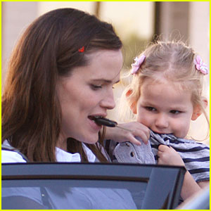Jennifer Garner is a Coo-key Monster