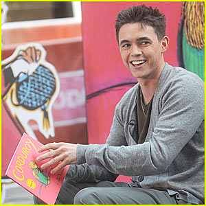 Jesse McCartney Reads For The Record